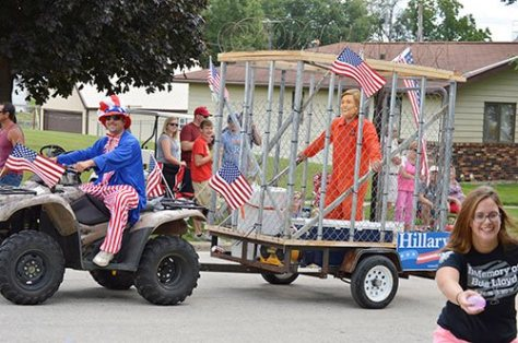 iowa-parade-hillary-jail